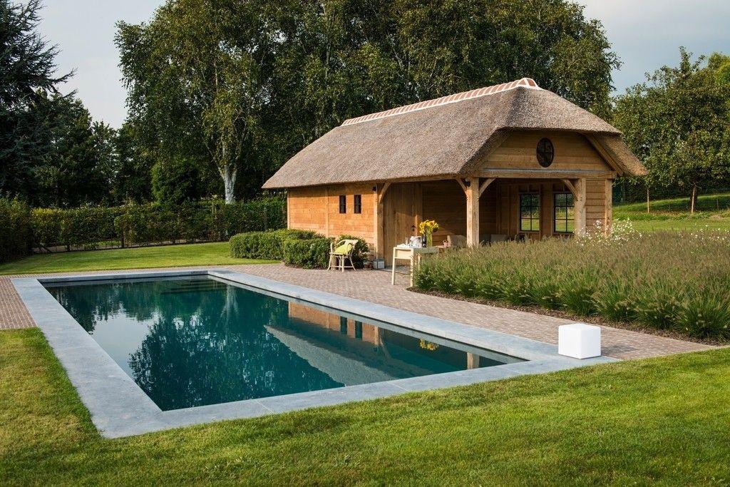 Arte Verde bvba Poolhouse et piscine parfaitement intégrés dans le jardin