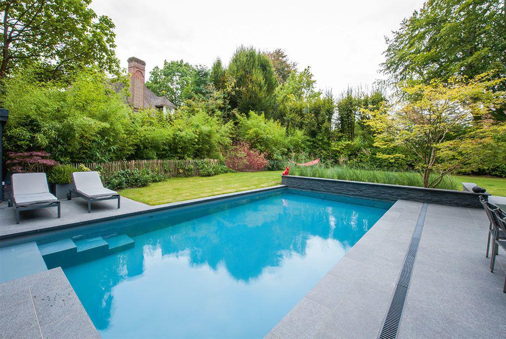 Ziwa Pool Un splendide mur de terrasse en ardoises